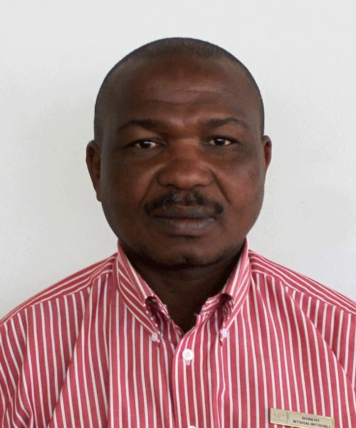 Robert Ntshalitshali